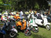 vespas-everywhere.jpg